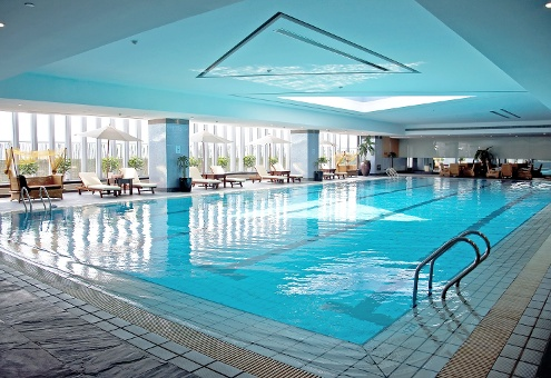 Hvac solutions for swimmer comfort in pool rooms for Pool ventilation design